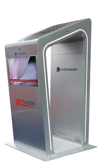 cabina telecom ecco la prima cabina intelligente di telecom italia tom