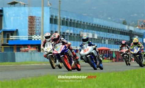 Sidepad 250 Cbr Gsx Ktm R25 R15 Ducati Yamaha Honda Universal r15 vs cbr150r sentul warungasep