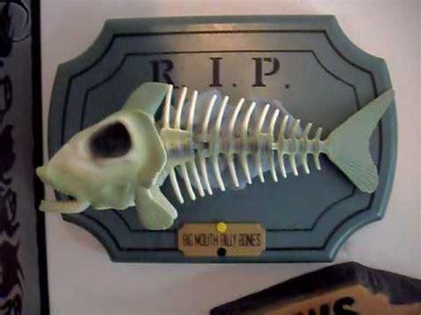 new year singing fish big billy bones singing skeleton fish new