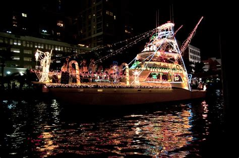 boat light up fort lauderdal christmas seminole rock winterfest boat parade south florida finds