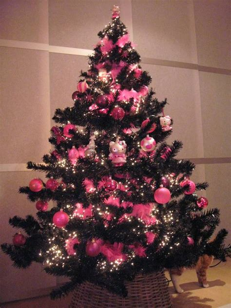 Decorated christmas tree pictures hello kitty christmas tree