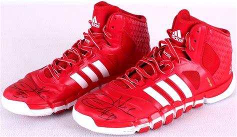 joakim noah basketball shoes sports memorabilia auction pristine auction