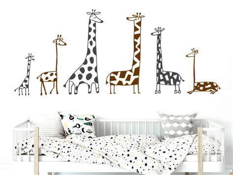 Wandtattoo Kinderzimmer Giraffe by Wandtattoo Zweifarbiges Set Lustige Giraffen Wandtattoo De