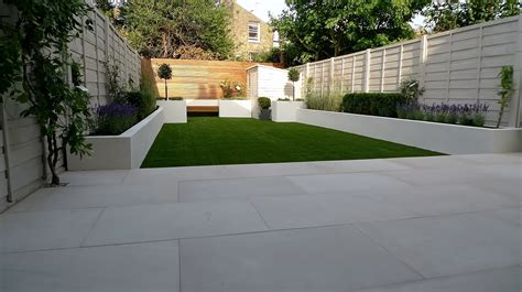 White Paving Stones Ten Great Paving Stones For A New Patio Garden