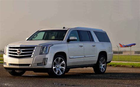 comparison cadillac escalade luxury   lincoln
