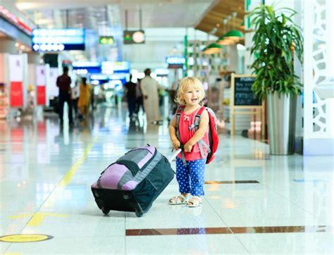 portare farmaci in aereo salute dei bambini i farmaci da portare in viaggio