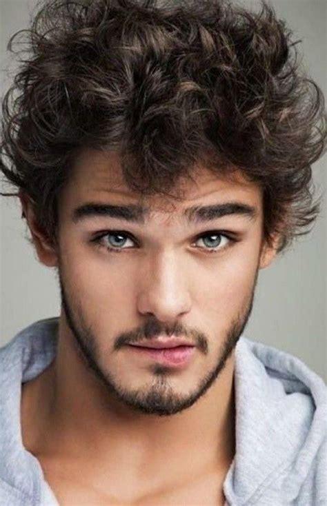 pictures of hombres brown hair las 25 mejores ideas sobre hombres con cabello rizado en