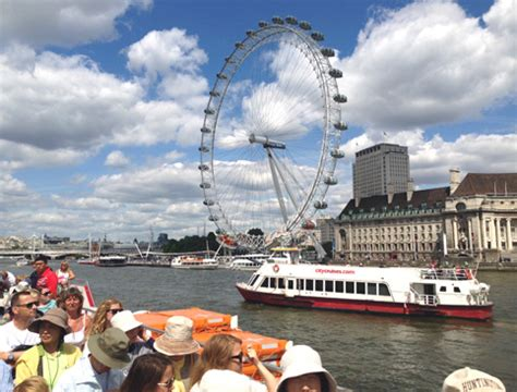 thames river cruise best thames river cruise hop on hop off attractiontix