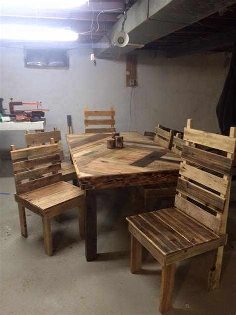 Dining Table Pallet 1000 Ideas About Pallet Dining Tables On Diy Pallet Pallet Furniture And Pallets