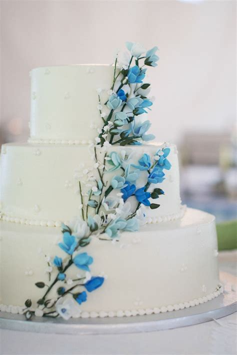 Blue Flower Wedding Cake by Classic White Wedding Cake With Blooming Branches Design