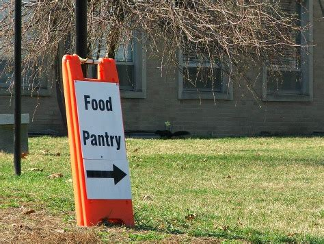Food Pantries That Deliver by A Delivery To The Local Food Pantry Detroit