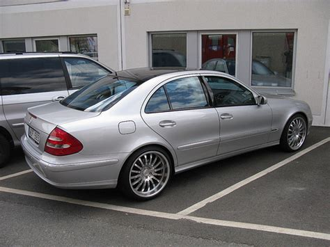 Airmatic Tieferlegung W211 by Mercedes E500 W211 Flickr Photo