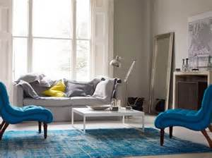 Blue Chair Living Room Design Ideas Contemporary Aquatic Living Room Design With Blue Sofa Blue Rug Dweef Bright And