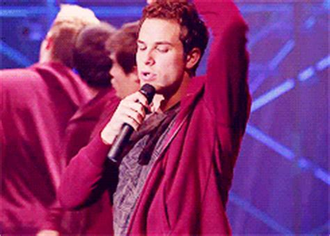 Gif Of Detox Lip Thing by Skylar Astin Five Things To About Pitch S