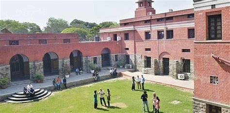Govt College In Delhi For Mba by 10 Things Only A Delhi Student Can Relate To