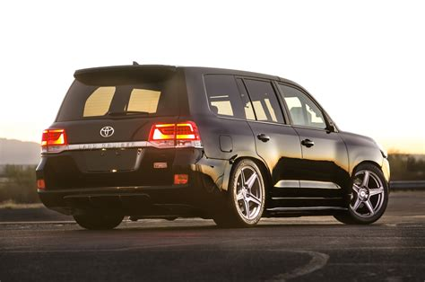 toyota land toyota debuts land speed cruiser extreme sienna concepts