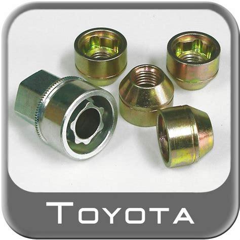 Toyota Wheel Locks 2006 2012 Toyota Rav4 Wheel Locks Chrome Finish Set Of 5 W