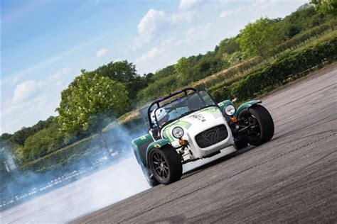 caterham 7 drift chion driving experience at silverstone