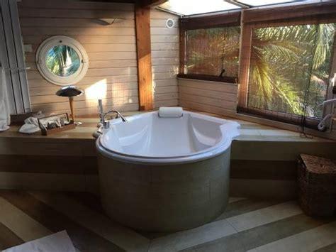 Salle De Bain Avec Sauna salle de bain avec sauna et baignoire chambre cap