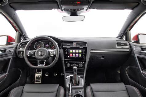 volkswagen gti interior 2018 volkswagen golf gti interior overview motor trend