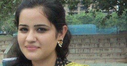 hindi film heroine ke naam aur photo meri chachi mera first love hindi story hindi kahaniya