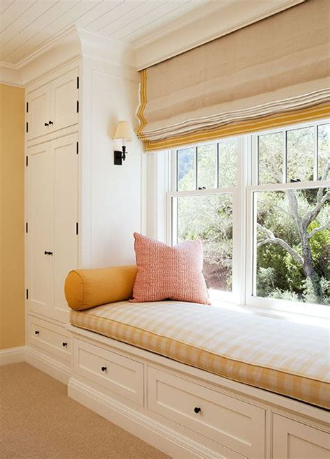 bedroom window seats with storage could totally do this in l s room and make additional