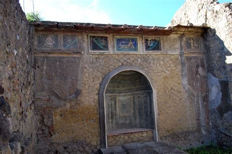 ancient homes in herculaneum archaeology