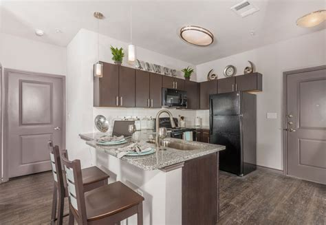 college station appartments cherry street apartments at northgate college station tx apartment finder
