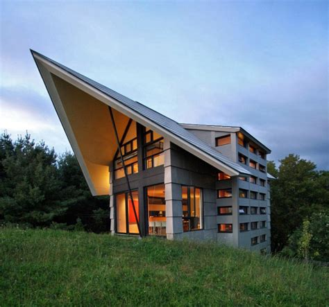 countryside house design quebec countryside slope house with upper and lower walkouts