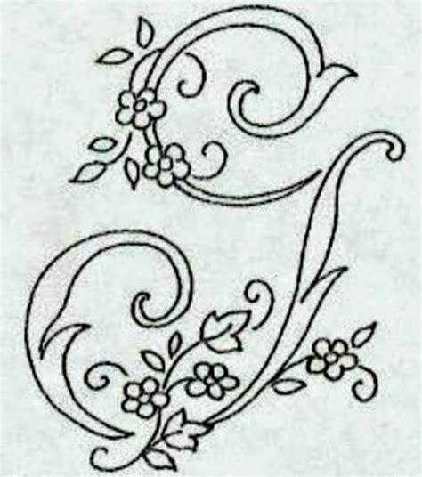 lettere ricamate a punto croce professione donna alfabeto da ricamare con ricamo classico
