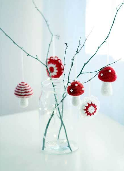 25 handmade christmas decorations bringing ancient crafts