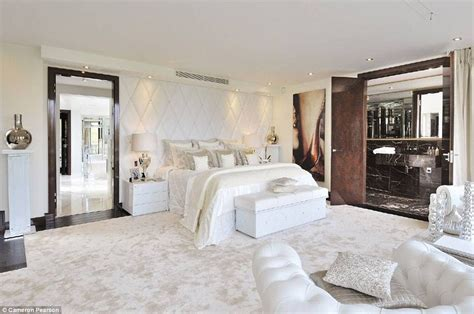 Expensive Bedrooms by Knightsbridge Penthouse Will Set You Back 163 60 000 A Week Daily Mail