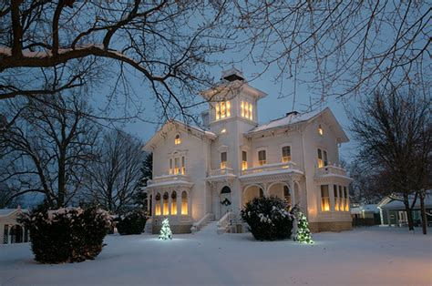 house in the snow dream house exterior pretty houses snow winter winter