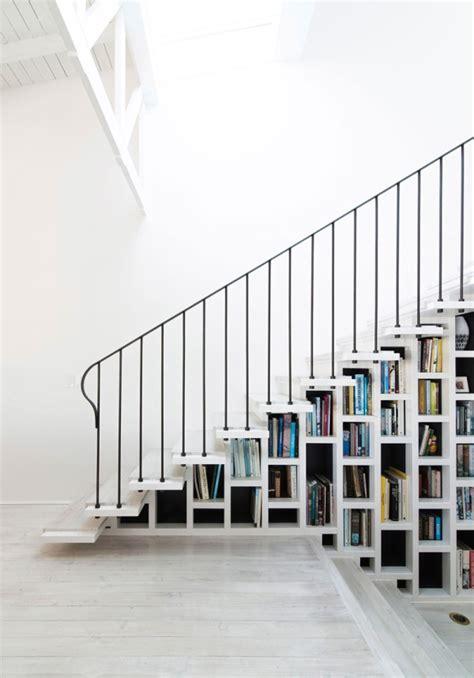 scale interno casa 8 scale con libreria e interni