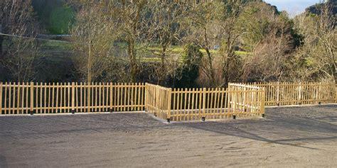 cloture en bois pour jardin pas cher cl 244 ture en bois trait 233 a vendre