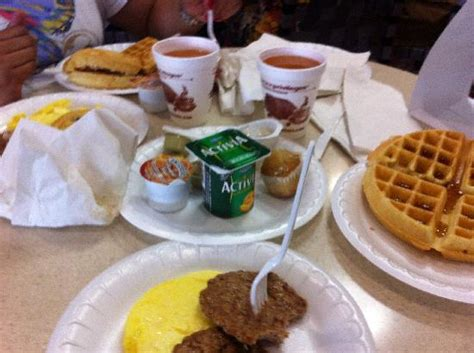 Does Comfort Inn Free Breakfast by 301 Moved Permanently