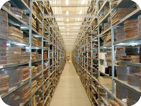 ufficio catasto pavia scaffalature metallo scaffali gancio magazzino archivio