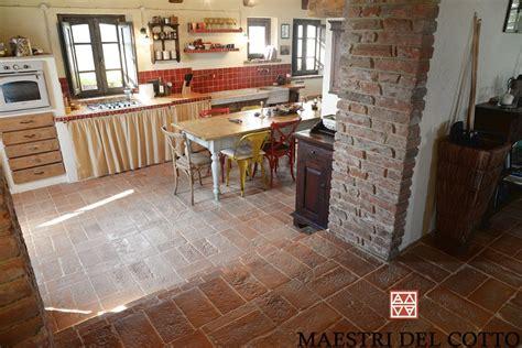 piastrelle per taverna pavimento in cotto buttero per taverne e rustici cotto