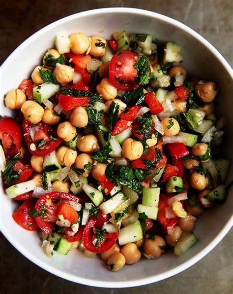 summer chickpea salad kitchen explorers pbs parents pbs