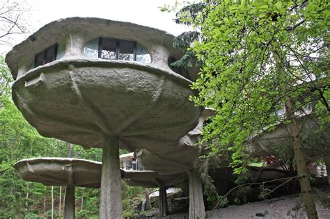 12 strange and homes for sale in photos in