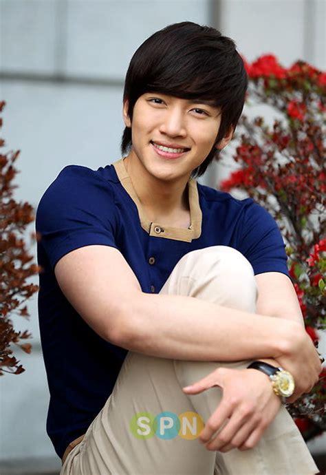film bagus ji chang wook photo ji chang wook quot i want to act from the heart