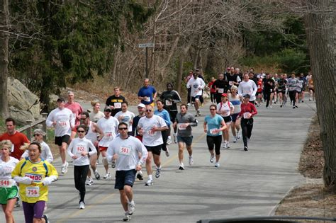 by the sea cohasset road race 2017 cohasset road race by the sea 10k cohasset ma 2017