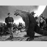 Giant Man Clipart | 640 x 485 jpeg 63kB