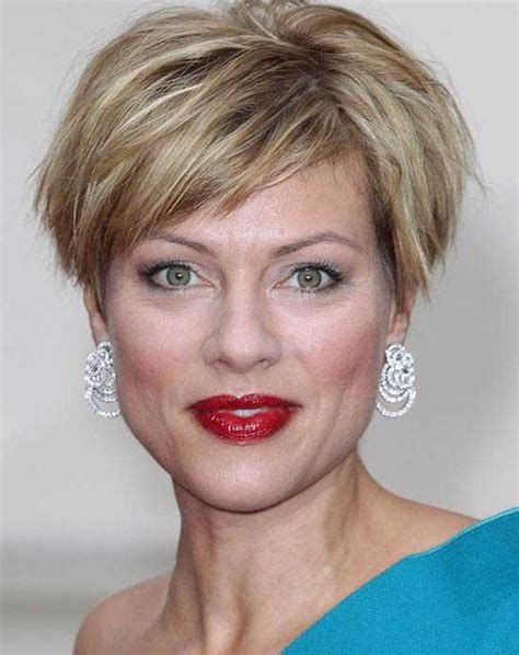 blunt bob with wispy ends short layered bob hairstyles for women