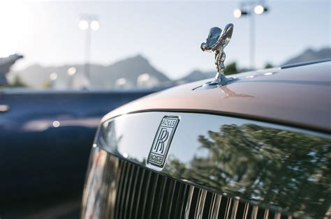 rolls royce hood ornament 2016 rolls royce dawn first drive review motor trend