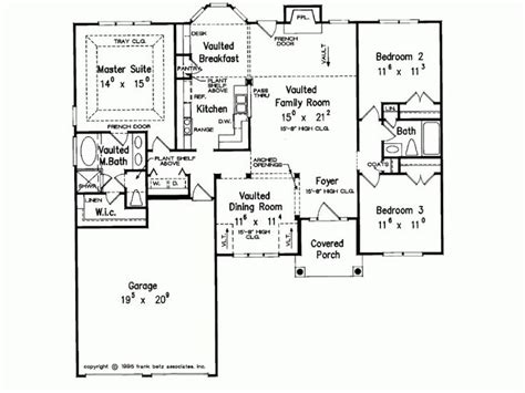 4 bedroom split floor plan 17 best images about split level floor plans on pinterest