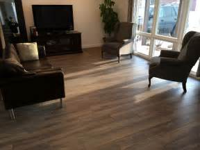 How To Lay Floating Hardwood Floor - how to determine the direction to install my laminate flooring