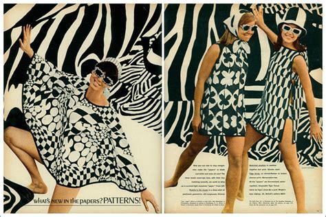 In The 60s Essay by La Locura Por Los Vestidos De Papel En Los 60 Viste La Calle