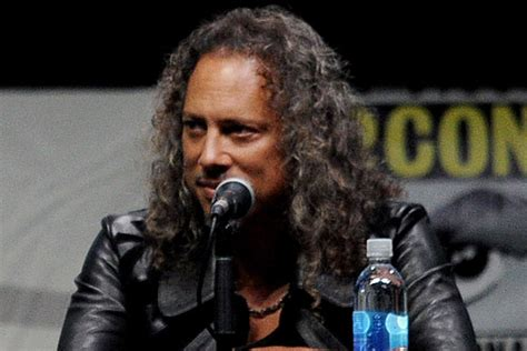 kirk hammett singing metallica s kirk hammett to debut zombie action figure at