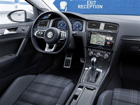 interno golf 7 a bordo della nuova volkswagen golf 2017 foto panoramauto